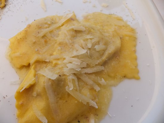 Castel Ritaldi, Italia: Ravioli ...light,fluffy and very very good!